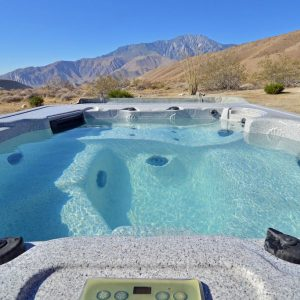 Hot tub paradise in the desert near Palm Springs